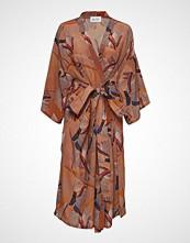 R/H Studio Shangri Dress Knelang Kjole Oransje R/H STUDIO