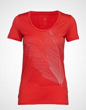 Icebreaker Wmns Tech Lite Ss Scoop Plume T-shirts & Tops Short-sleeved Rød ICEBREAKER