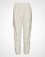 Wood Wood Mitzi Trousers Bukser Med Rette Ben Creme WOOD WOOD