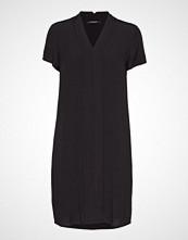 Bruuns Bazaar Lilli Kenry Dress Knelang Kjole Svart BRUUNS BAZAAR