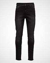 Cheap Monday Sonic Black Mode Slim Jeans Svart CHEAP MONDAY
