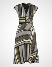 Marciano by GUESS Linda Dress Knelang Kjole Multi/mønstret MARCIANO BY GUESS