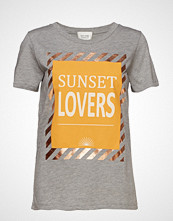 Second Female Sunset Tee T-shirts & Tops Short-sleeved Gul SECOND FEMALE