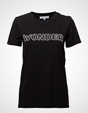 Second Female Wonder Outline Tee T-shirts & Tops Short-sleeved Svart SECOND FEMALE