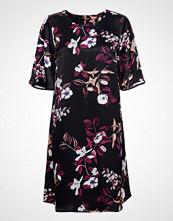 Bruuns Bazaar Flora Sealla Dress Knelang Kjole Svart BRUUNS BAZAAR