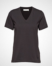 InWear Kaila V-Neck T-Shirt T-shirts & Tops Short-sleeved Svart INWEAR