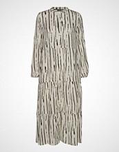B.Young Bxharmony Dress - Knelang Kjole Creme B.YOUNG
