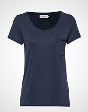 Soaked in Luxury Slcolumbine Tee T-shirts & Tops Short-sleeved Blå SOAKED IN LUXURY