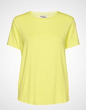 Baum Und Pferdgarten Enye T-shirts & Tops Short-sleeved Gul BAUM UND PFERDGARTEN