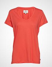 Lexington Clothing Becka V-Neck Tee T-shirts & Tops Short-sleeved Oransje LEXINGTON CLOTHING