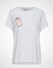 By Malina Cool Tee T-shirts & Tops Short-sleeved Hvit BY MALINA