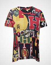 Hilfiger Collection Hilfiger Multi Logo T-shirts & Tops Short-sleeved Multi/mønstret HILFIGER COLLECTION