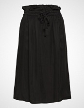 Scotch & Soda Cupro Skirt With Tie Detail At Waistband Knelangt Skjørt Svart SCOTCH & SODA