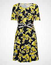 Gerry Weber Dress Knitted Fabric Knelang Kjole Gul GERRY WEBER