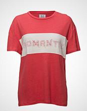 Zoe Karssen Linen-Blend Boyfriend T-Shirt Romantix T-shirts & Tops Short-sleeved Rød ZOE KARSSEN