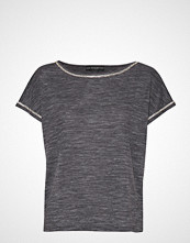 GUESS Jeans Fanny Top T-shirts & Tops Short-sleeved Grå GUESS JEANS