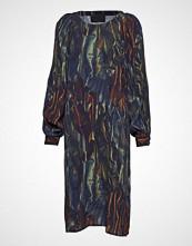 Diana Orving Folded Sleeve Dress Knelang Kjole Multi/mønstret DIANA ORVING