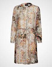 Sand 3655 - Zihia Dress 2 Kort Kjole Multi/mønstret SAND