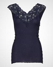 Rosemunde Silk Top Regular W/Lace Bluse Ermeløs Blå ROSEMUNDE