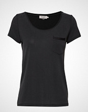 Soaked in Luxury Slcolumbine Tee T-shirts & Tops Short-sleeved Svart SOAKED IN LUXURY