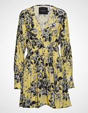Raiine Alameda Mini Dress Kort Kjole Gul RAIINE