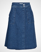Selected Femme Slfhanna Hw Midi Mid Blue Denim Skirt W Knelangt Skjørt Blå SELECTED FEMME