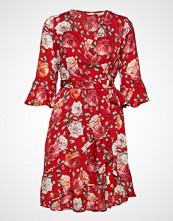 GUESS Jeans Adriane Dress Kort Kjole Rød GUESS JEANS