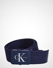 Calvin Klein J 4cm Adj.Monogram C Belte Blå CALVIN KLEIN