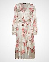Gina Tricot Hanna Wrap Dress Knelang Kjole Creme GINA TRICOT