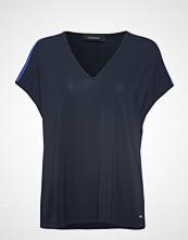 Peak Performance W Tess T T-shirts & Tops Short-sleeved Blå PEAK PERFORMANCE
