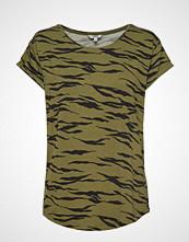 mbyM Nisha T-shirts & Tops Short-sleeved Grønn MBYM