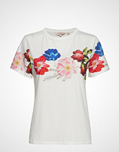 Ted Baker Uniqa T-shirts & Tops Short-sleeved Hvit TED BAKER