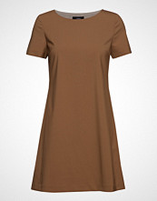 Theory Paneled Shift Dress. Kort Kjole Brun THEORY