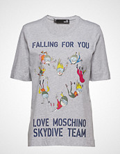 Love Moschino W4f151sm3517 T-shirts & Tops Short-sleeved Grå LOVE MOSCHINO
