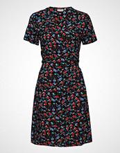 B.Young Byhailey Wrap Dress - Knelang Kjole Blå B.YOUNG
