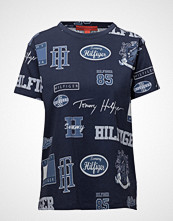 Hilfiger Collection Logo Mania Tshirt Ss T-shirts & Tops Short-sleeved Blå HILFIGER COLLECTION
