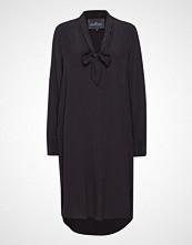 Designers Remix Nini Tie Dress Knelang Kjole Svart DESIGNERS REMIX