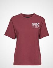 HAN Kjøbenhavn Artwork Tee T-shirts & Tops Short-sleeved Rød HAN KJØBENHAVN
