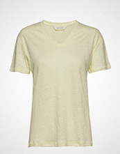 Gai+Lisva Sif V-Neck T-shirts & Tops Short-sleeved Gul GAI+LISVA