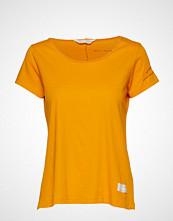 Odd Molly Hot N' Sweet Top T-shirts & Tops Short-sleeved Gul ODD MOLLY
