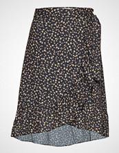 Fall Winter Spring Summer High Pressure Skirt Mini Knelangt Skjørt Svart FALL WINTER SPRING SUMMER