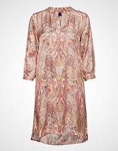 Sand 3302 - Dinora Dress Knelang Kjole Rosa SAND