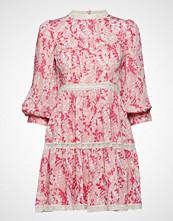 by Ti Mo Delicate Semi Mini Dress Kort Kjole Rosa BY TI MO