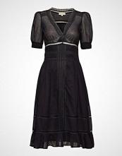 by Ti Mo Victorian Organza Day Dress Knelang Kjole Svart BY TI MO