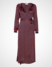 Second Female Spotty Wrap Dress Knelang Kjole Rød SECOND FEMALE