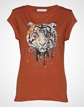 Coster Copenhagen T-Shirt W. Tiger Print T-shirts & Tops Short-sleeved Oransje COSTER COPENHAGEN