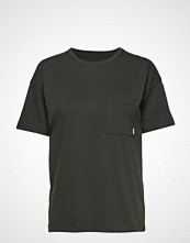 Makia Dusk T-Shirt T-shirts & Tops Short-sleeved Grønn MAKIA