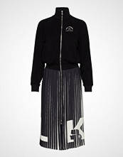 Karl Lagerfeld Rue St Guillaume Pleated Dress Knelang Kjole Svart KARL LAGERFELD