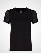 Casall Synergy Tee T-shirts & Tops Short-sleeved Svart CASALL