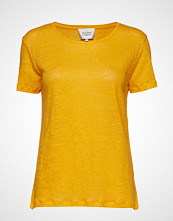 Second Female Peony O-Neck Tee T-shirts & Tops Short-sleeved Gul SECOND FEMALE